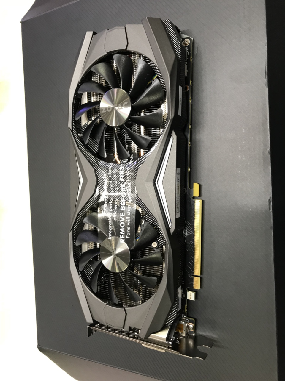 Card màn hình ZOTAC GEFORCE GTX 1070 AMP! Edition 8GB GDDR5